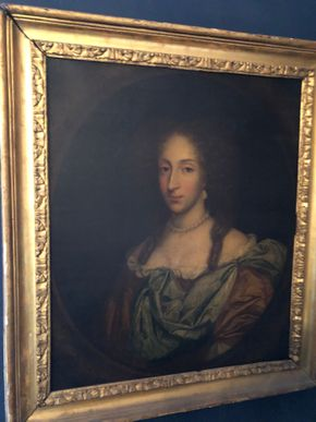 Lot 079 18thC Painting of Woman Oil on Canvas Has Been Restored