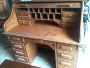 Lot 015 Roll Top Desk 46.5H x 27W x 49L PICK UP IN ROCKVILLE CENTRE
