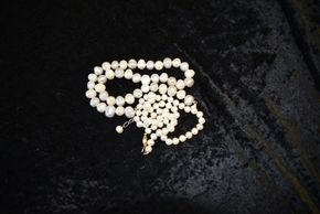 Lot 026 Lot of 2 Pearl Necklace 1st-Potato 19.5L /2nd-18K clip 18L PICK UP IN GLEN COVE, NY