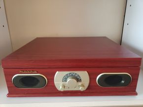Lot 017 Studebaker 3-Speed Turntable w/AM/FM Stereo Receiver and Cassette Player PICK UP IN FOREST HILLS, NY