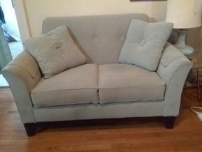 Lot 013 Lazy Boy Modern Upholstered Love Seat 36H x 36W x 61L PICK UP IN WEST HEMPSTEAD