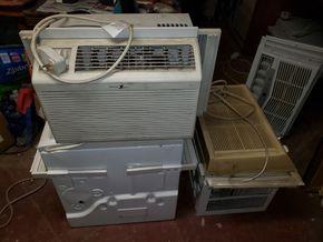 Lot 020 Lot of 4 Window Air Conditioners  GE 5000 BTU 12H x 19.75W /Zenith 5000 BTU 11H x 17.5W Generations 8000BTU 12H x 19W  Frigidaire 12000 BTU 15H x 19W AS IS PICK UP IN MINEOLA,NY