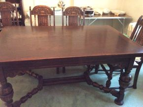 Lot 079 Dining Room Table With 2 Pull out Leaves 38H x38.5W x 63L PICK UP IN GARDEN CITY