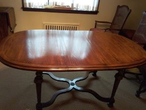 Lot 026 Ethan Allen Dining Room Table 28x 42 x 66  PICK UP IN GARDEN CITY