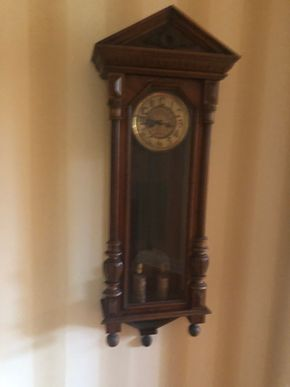 Lot 012 Wall Clock PICK UP IN PORT WASHINGTON