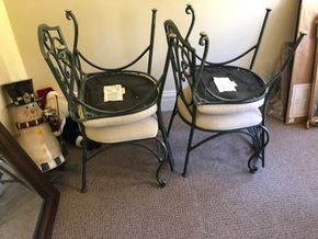 Lot 027 PUP/Lot of 4 Wrought Iron Chairs PICK UP IN GARDEN CITY