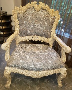 Lot 010 Upholstered Armchair 44H x 33W x 25D PICK UP IN HEWLETT,NY