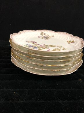 Lot 167 Set of 6 Limoges Dishes Lunch 1 with chip