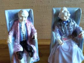Lot 046 Lot of 2 Royal Doulton Figurines Joan and Darby apron 5.5 inches tall PICK UP IN MANHASSET