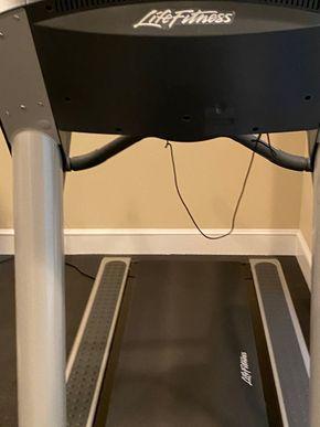 Lot 028 Life Fitness treadmill PICK UP IN GARDEN CITY 1
