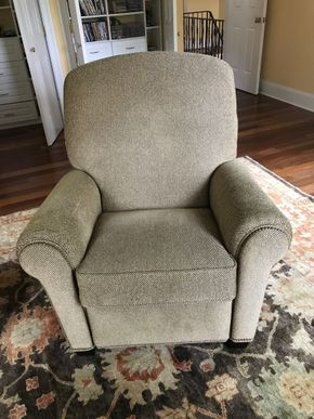 Lot 077 Hancock and Moore Fabric Upholstred Recliner 44H x 43W x 40L   PICK UP IN LAWRENCE