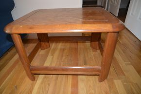 Lot 033 Wood End Table 18H x 30W x 24L PICK UP IN MINEOLA, NEW YORK