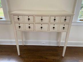 Lot 011 White 6 drawer side board 43in L X 17in W X 40in H PICK UP IN GARDEN CITY 1