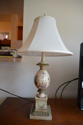 Lot 024 Table Lamp 30H PICK UP IN MINEOLA, NEW YORK