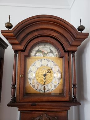 Lot 018 Miller Clock Company Grandfather Clock No.C40665 80.5H x 17.5W x 11.5D AS IS PICK UP IN WHITESTONE, NY