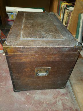 Lot 034 Vintage Oak Chest 21H x 36W x 25D AS IS PICK UP IN MINEOLA,NY