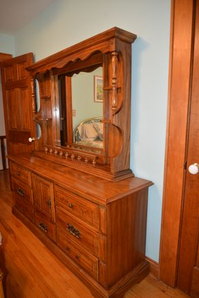 Lot 034 Wood 6 Drawer Double Dresser 30H x 69W x 19 w/Mirror 40H x 56.5W x 9L PICK UP IN MALVERNE, NY