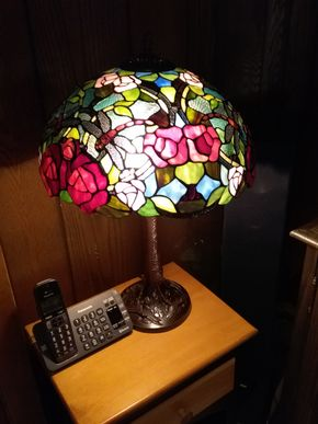 Lot 028 Stained Glass Table Lamp 32 inches tall PICK UP IN ROCKVILLE CENTRE