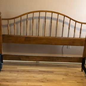 Lot 023 Ethan Allen Queen Headboard and Footboard plus Frame ITEM MUST BE PICKED UP IN LONG BEACH