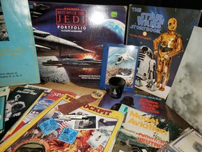 Lot 023 Pd.-PU/ Lot of Stars Wars and Space Memorabilia  PICK UP IN MINEOLA,NY