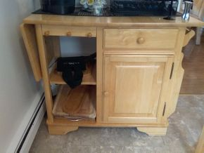 Lot 023 Rolling Kitchen Cart 33H x 20W x 52L opened PICK UP IN BELLE HARBOR