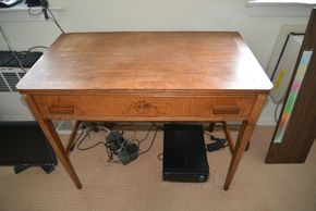 Lot 033 1 Drawer Wood Desk 29.5H x 36W x 19L PICK UP IN GLEN COVE, NY