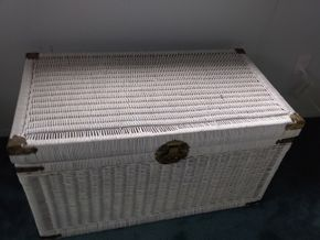 Lot 116 Wicker Chest 20H x 21W x 36L PICK UP IN OLD BROOKVILLE