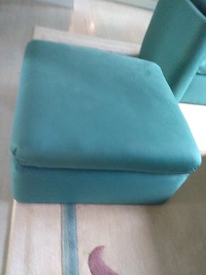 Lot 069 Upholstered Ottoman 18H x 36w x 36L PICK UP IN OLD BROOKVILLE