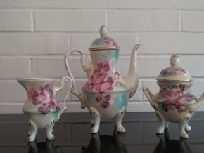 Lot 052 Limoges China Tea Set 9 6.5 and 4.5 Inches Tall PICK UP IN OLD WESTBURY