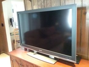 Lot 027 Sharp Aquos  52 Inch TV PICK UP IN ROCKVILLE CENTRE