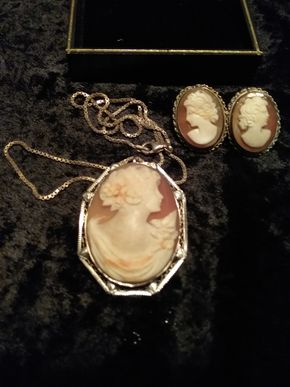 Lot 046 Cameo Pin Pendant with Silver Chain and Cameo Earrings PICK UP IN WILLISTON PARK
