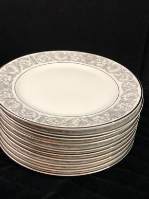 Lot 170 Lot of 12 Rosenthal Salad/Dessert Plates