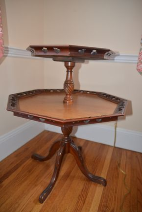 Lot 019 Wood 2 Tier Table 32L x 25.5 x 23.5 PICK UP IN ROCKVILLE CENTRE
