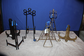 Lot 010 Lot of 6 Art/Plate Metal/Wood Various Sized Easels  ITEMS CAN BE PICKED  UP IN WESTBURY