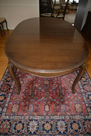 Lot 007 Pick Up Wood Dining Table 30H x 45.5W x 80L w/2 leafs and pads PICK UP IN CATHEDRAL GARDENS HEMPSTEAD NY
