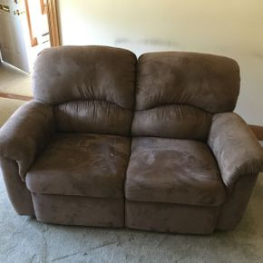 Lot 019 Lazy Boy Love Seat with Double Recliner ITEM CAN BE PICKED UP IN ROCKVILLE CENTRE
