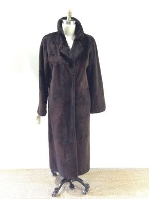 Lot 001 Dark Brown Super Sheared Beaver Size 12 Length 50in Sleeve 30in Sweep 66in Style 2420