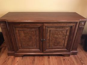 Lot 027 Ethan Allen Entertainment Center   ITEM CAN BE PICKED UP IN ROCKVILLE CENTRE