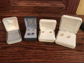 Lot 049 Lot of 4 Small Gold Earrings    ITEM CAN BE PICKED UP IN ROCKVILLE CENTRE