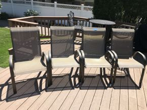 Lot 031 Lot of 4 Patio Chairs  ITEM CAN BE PICKED UP IN ROCKVILLE CENTRE