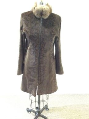 Lot 010 Sheared Mink w/Sable Collar Size 6-8 Length 36in Sleeve 30in Sweep 48in Style 2618 Zip Closure needs adjusting