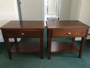 Lot 038 Lot of 2 Ethan Allen Wood Side Tables ITEM CAN BE PICKED UP IN ROCKVILLE CENTRE