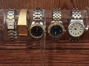 Lot 048 Lot of 5 Mens Watches ITEM CAN BE PICKED UP IN ROCKVILLE CENTRE