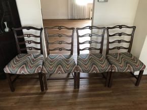 Lot 093 Lot of 4 Dining Room Chairs ITEM CAN BE PICKED UP IN WEST HEMPSTEAD