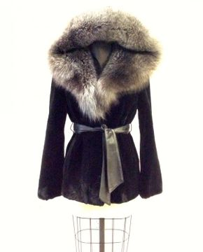 Lot 027 Blacked Sheared Beaver w/Silver Fox Hood and Leather Belt Missing 2 Loops Size 10 Length 28 inches Sleeve 30 inches Sweep 46 inches Style 3353 - - Item Num: 7591-33