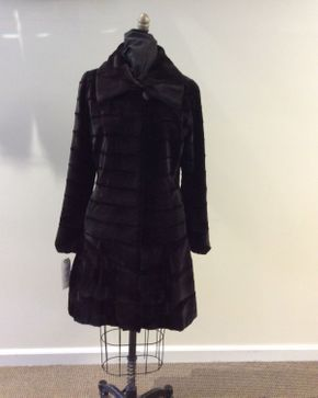 Lot 043 Brown Puck Sheared Horizontal Mink w/Long Hair Collar Size 12 Length 36in Sleeve 30in Sweep 78in Style 3444