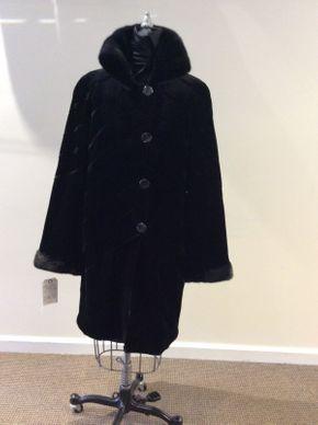 Lot 044 Black Sheared Mink w/Long Hair Mink Diagonal Reversible Size 10 Length 36in Sleeve 31in Sweep 54in Style 3436