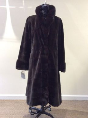 Lot 046 Brown Super-Sheared Horizontal Mink w/ Long Hair Collar Cuff Size 10 Length 44in Sleeve 31in Sweep 78in Style 3377