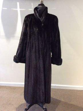 Lot 049  Ranch Mink Female Coat Size 12 Length 47in Sleeve 29in Sweep 82in Style 3463