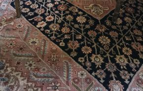 Lot 043 Vintage Hand Made Rug  ITEM CAN BE PICKED UP IN VALLEY STREAM